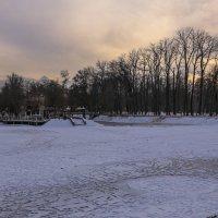 вид гор из замерзшего озера :: Марат Макс