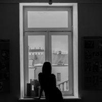 У окна :: Артём Петрушенко