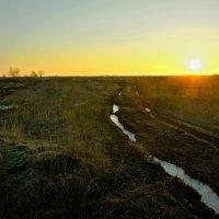 Трудны дороги за рассветом. :: владимир