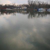 Река и небо :: Леонид