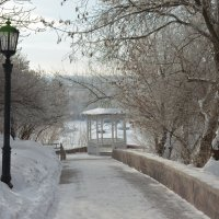 Дорожка к беседке в парке :: Сергей Тагиров