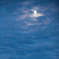 Лунная ночь на Енисее :: Виталий ИВАНОВ