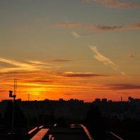Закат над городом :: Сергей Тагиров