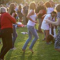 зима то заканчивается или танцуй пока молодОЙ :: Олег Лукьянов