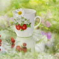 Ромашковый чай с земляничкой :: galina tihonova