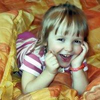 Счастье мило улыбается, превратив улыбку в смех. :: Валентина ツ ღ✿ღ