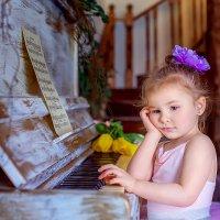 Маленькая пианистка :: Джанета Камская