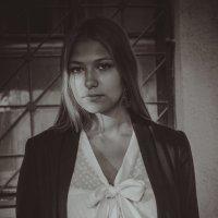 Сквозь тень :: Nastya Skritskaya