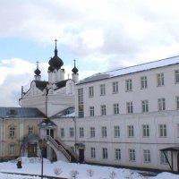 Николо-Угрешский монастырь. Храм в честь Казанской иконы Божией Матери :: elena manas
