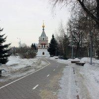 Дорога к часовне :: раиса Орловская