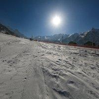 крутой лыжный спуск :: Марат Макс