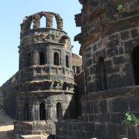 Остатки башен дворца Райгад Форт :: maikl falkon