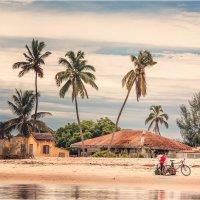 Утро...ждут рыбаков с океана...Мадагаскар! :: Александр Вивчарик