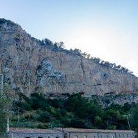 Скальная стена над Чефалу :: Witalij Loewin