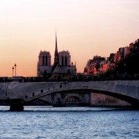 Мост. Собор. Они знают много. :: Виктор Никаноров