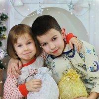 Братик и сестренка :: Оксана Барковская