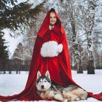 красная шапочка :: Иляна Назарова