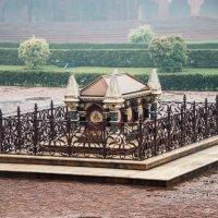 Захоронение одного из индийских царей на территории Красного форта :: Виктор Куприянов