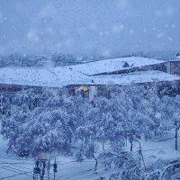 А снег идёт, а снег идёт.. :: Виктор Никаноров