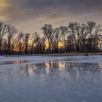 закат и тающее озеро :: Марат Макс