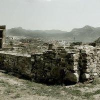 Старые стены :: Андрей Хомяков