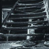 Опасная лестница :: Добрых Дел Мастер