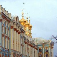Над куполами дворцовой церкви :: Сергей