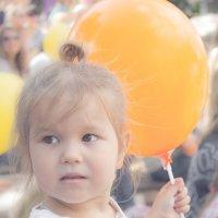 девочка с шариком :: Дарья Вовченко
