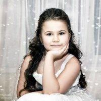 маленькая красотка по имени Стася такая смешная модница и выбражуля!! :: Милана Михайловна Саиткулова
