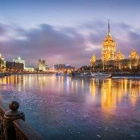 """""""Украина"""" в Москве :: Юлия Батурина"""