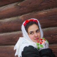в платочке :: Мария Корнилова