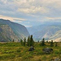 Горы и долины :: Николай Воробьёв