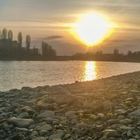 Закат над речкой(Nokia-625) :: Сергей Форос