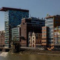 Архитектура в районе порта, Дюссельдорф :: Witalij Loewin