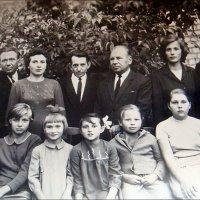 Родные и друзья. 1962 год :: Нина Корешкова