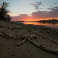 Рассвет на реке :: Александр Плеханов