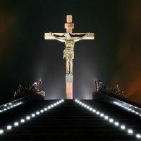 Statue of the crucifixion :: Сергей Огарёв
