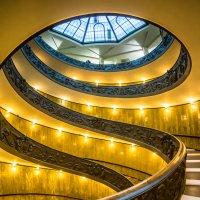 """Лестница Момо в Ватикане (вид с боку). Из серии """"VATICAN"""" :: Ашот ASHOT Григорян GRIGORYAN"""