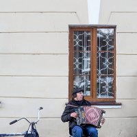 Одинокая гармонь :: Валерий Гришин