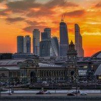 Тревожный закат :: Евгений Голубев