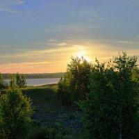 Лощина у озера :: Владимир Рязанов