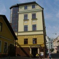 Офисное  здание  в  Черновцах :: Андрей  Васильевич Коляскин