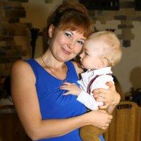 Дама с ребёнком :: Николай Холопов
