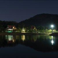 Тайский Храм (ночь) :: Олег Фролов