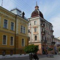 Жилищно - торговый  дом  в  Черновцах :: Андрей  Васильевич Коляскин
