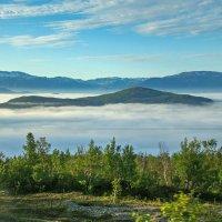 Северная Норвегия. Под облаками-озеро. :: Надежда Лаптева