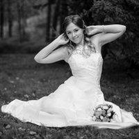 Портрет невесты с букетом :: Павел Ладный
