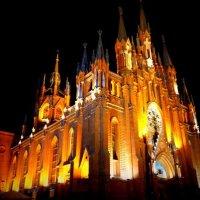 Римско-католический КАФЕДРАЛЬНЫЙ СОБОР Непорочного Зачатия Пресвятой Девы Марии  в Москве :: Артем Павлов