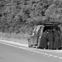 Монашки в бегах :: Татьяна Кормилицына