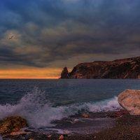 Вечер на Яшмовом пляже :: Владимир Колесников